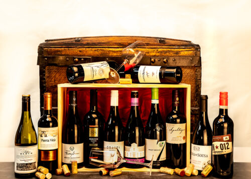 The 'Le Tour du Monde' Wine Hamper is a tour of the world through the best of new and old world wines. An ideal gift for wine lovers.