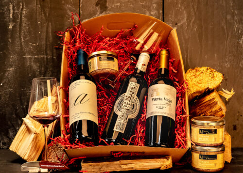 Our 'Pour les Hommes' Wine Hamper is the ideal gift for the lads in your life! 3 bottles of red and a selection of French Terrines. Show him you appreciate him!