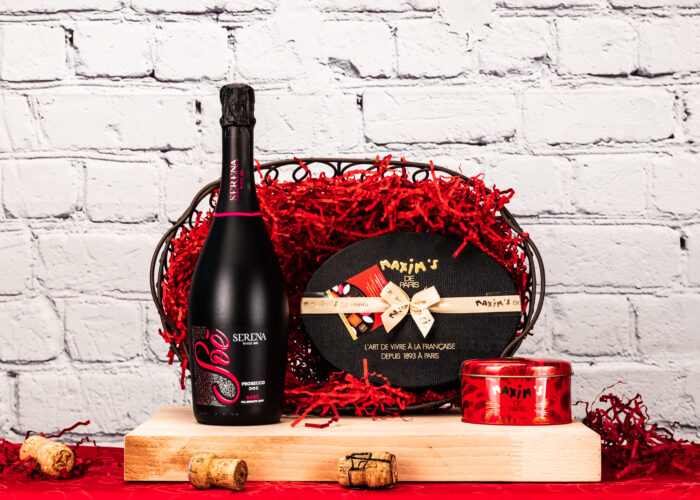 Presented in beauty wire basket, our Bubbles Hamper comes with a box of delicous chocolates by Maxim's de Paris.What more could she ask?